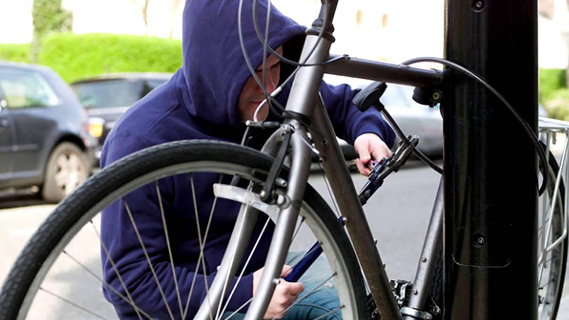 В Ужгороді та Берегові поліція спіймала двох велосипедних крадіїв