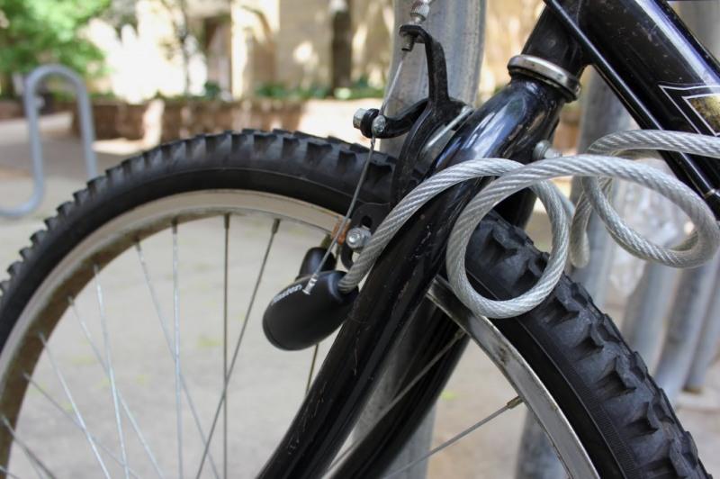 Поліцейські Хуста викрили жінку, яка від односельчанки вкрала велосипед