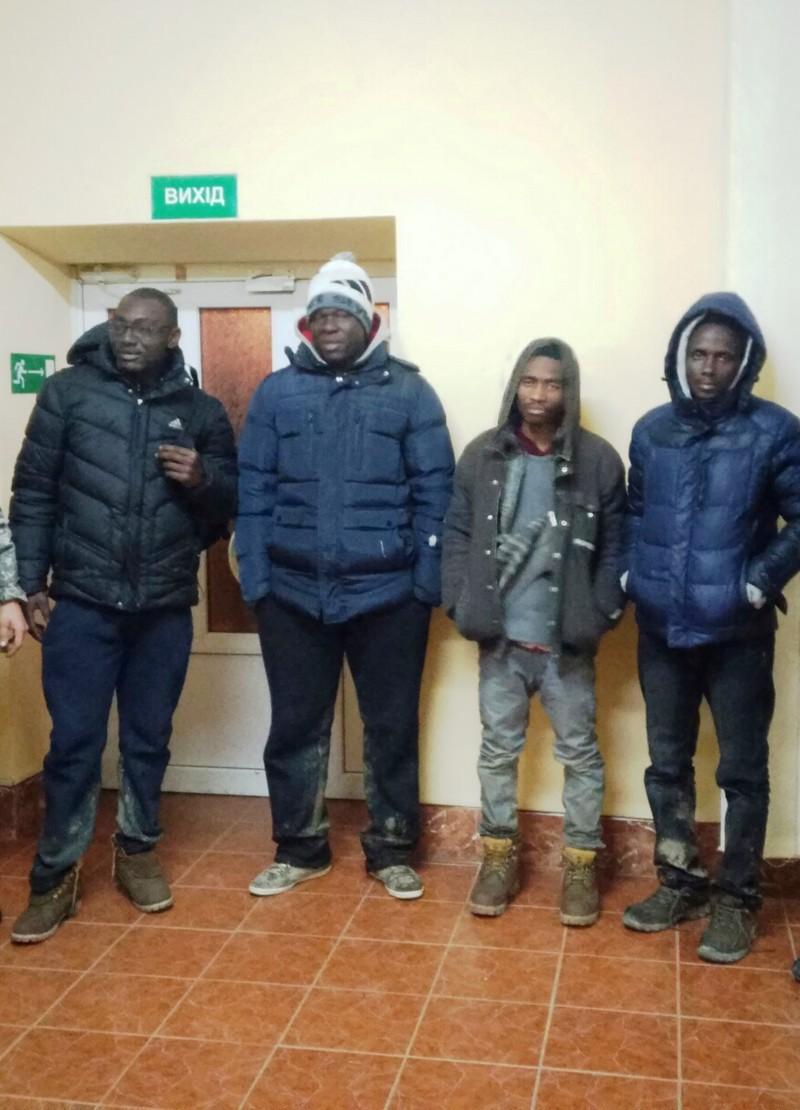На Берегівщині прикордонники затримали 4 нелегальних мігрантів з Африки