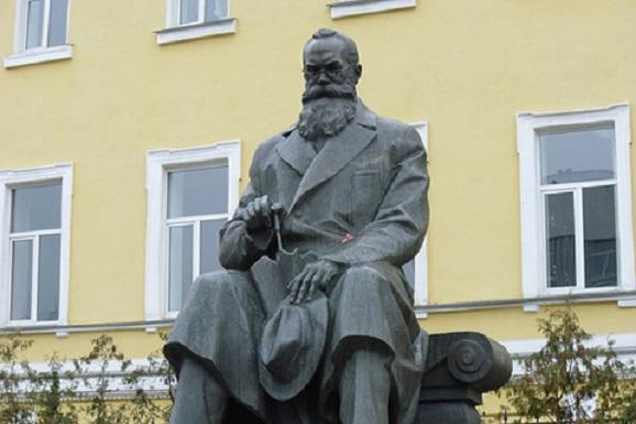 Меморіальна дошка Михайлу Грушевському з'явиться в Ужгороді