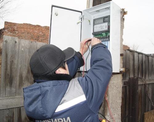 Закарпатців, які крали електроенергію, оштрафували на 326 тисяч гривень