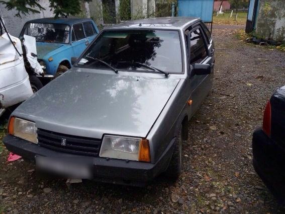Поліція затримала жителя Сваляви, який їздив на сумнівному автомобілі