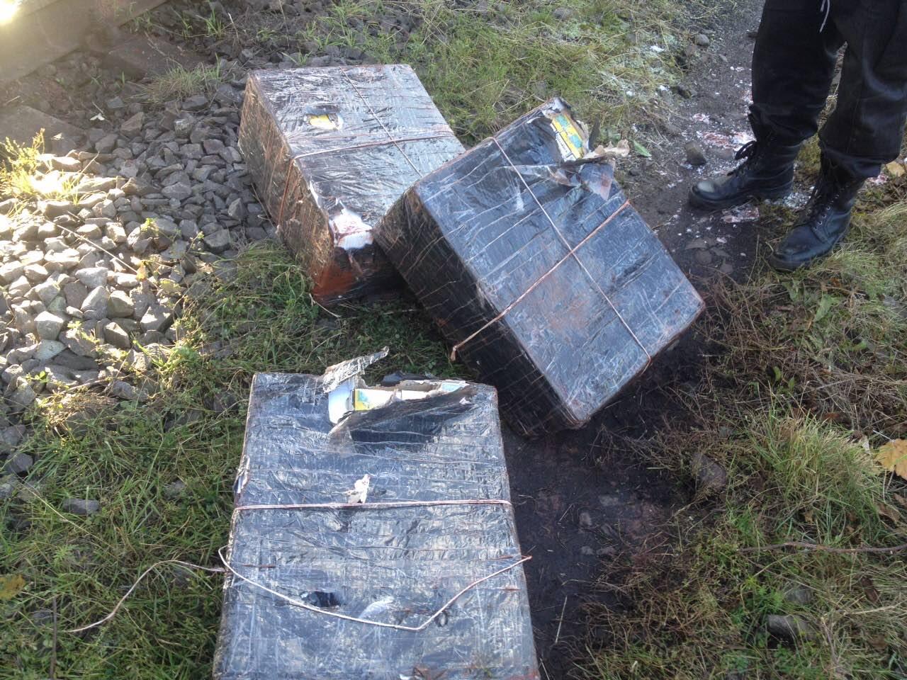 У вантажному потягу, що їхав до Словаччини, прикордонники виявили контрабандний тютюн