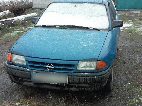 Правоохоронці Мукачівщини затримали водія, в автомобілі якого знайшли металеві труби невідомого походження