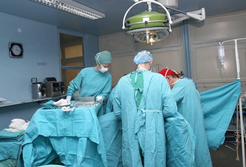 На Закарпатті провели унікальну операцію на відкритому серці