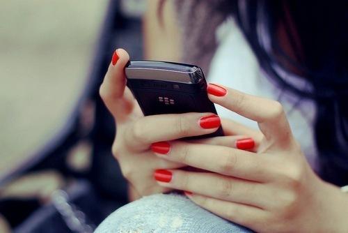 Жінка вкрала від ужгородця два мобільні телефони