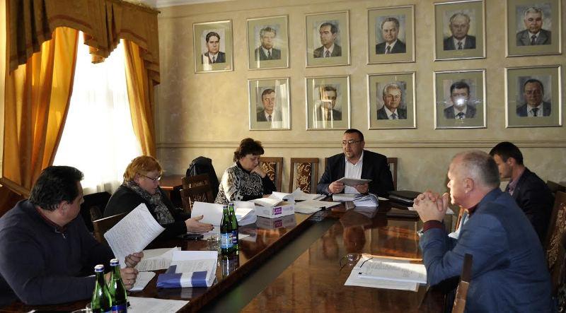 Депутати облради погодили надання одноразової допомоги військовим та потерпілим від пожежі