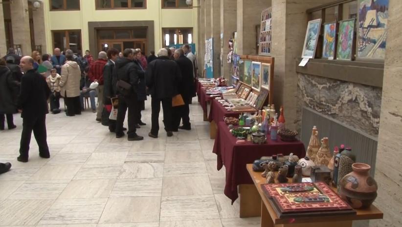 В Ужгороді експонують найкращі роботи особливих митців із різних куточків Закарпаття