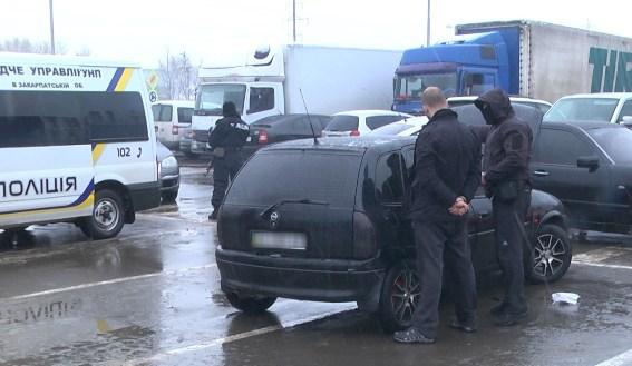 Рекетиру з Мукачева загрожує 7 років тюрми