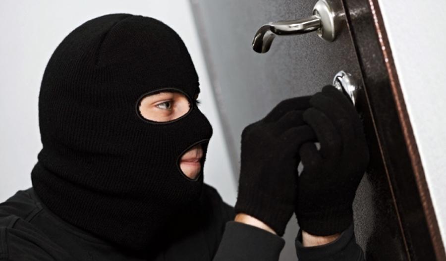 Ужгородські поліцейські затримали квартирного зловмисника