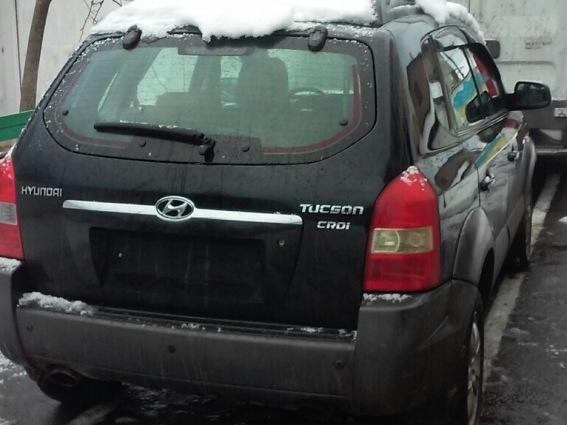На Мукачівщині двоє чоловіків жорстоко побили таксиста і викинули з автівки