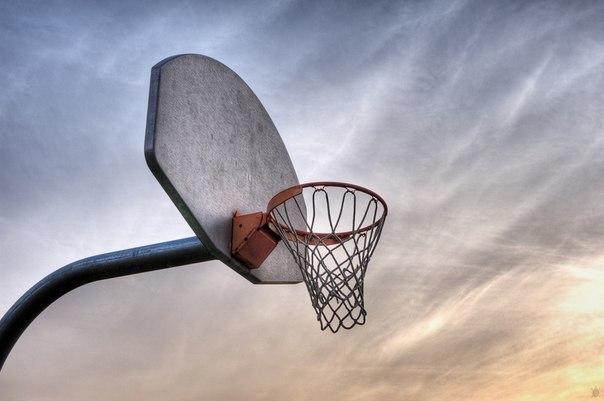 Поліцейські Ужгорода затримали крадія баскетбольних кілець