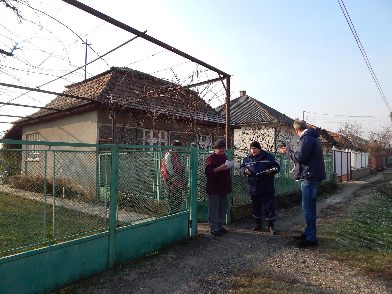 Берегівські рятувальники провели профілактичну роботу з жителями села Бене