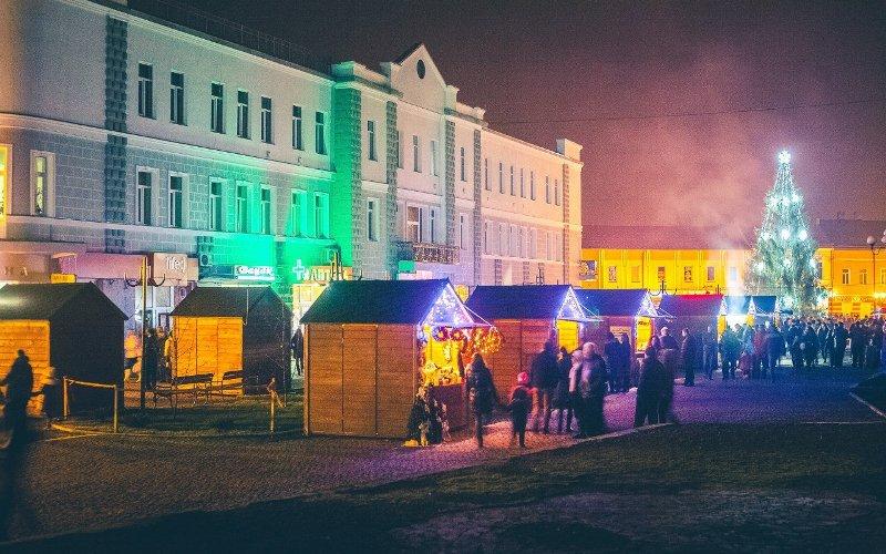 Закарпатців запрошують у Хуст на помпезне відкриття різдвяного ярмарку