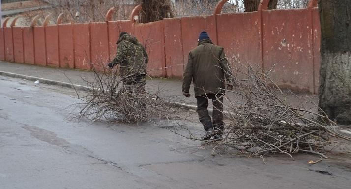 На цілому ряді вулиць Ужгорода тривають комунальні роботи