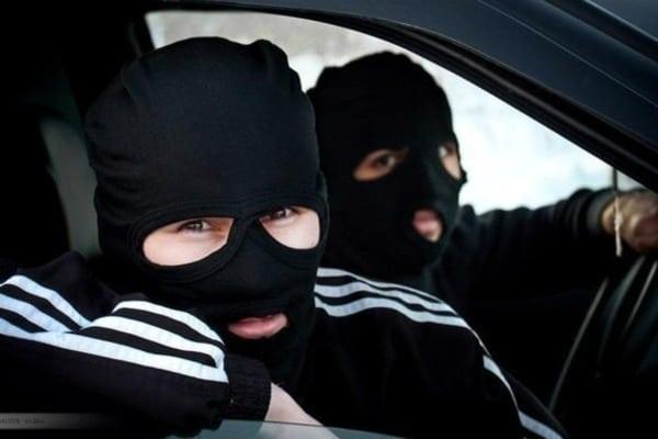 Бандити в масках напали на приватного підприємця: забрали 100 тисяч гривень