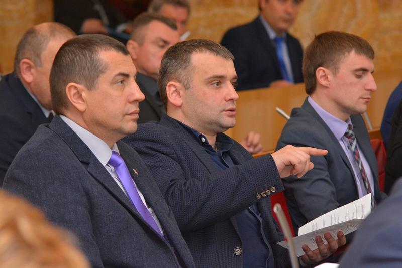 """Депутати просять прикордонників врегулювати питання """"пересічників"""""""