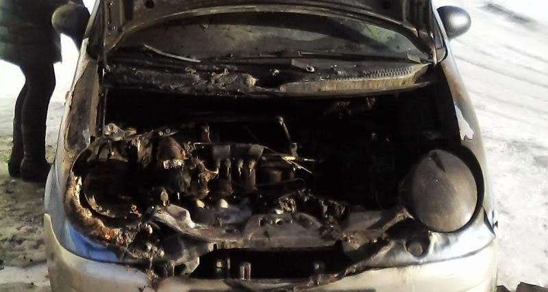 У Виноградові горів автомобіль. Рятувальники назвали ймовірну причину загорання