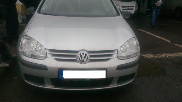 """Закарпатські прикордонники затримали викрадену іномарку """"Volkswagen"""", яку розшукував Інтерпол"""