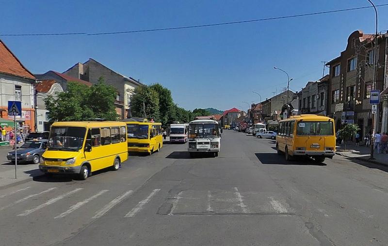 У четвер, 15 грудня мукачівські перевізники на знак протесту зупинять рух громадського транспорту