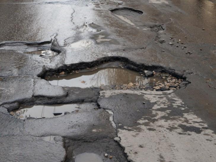 90% закарпатських доріг потребують капітального ремонту, – облавтодор