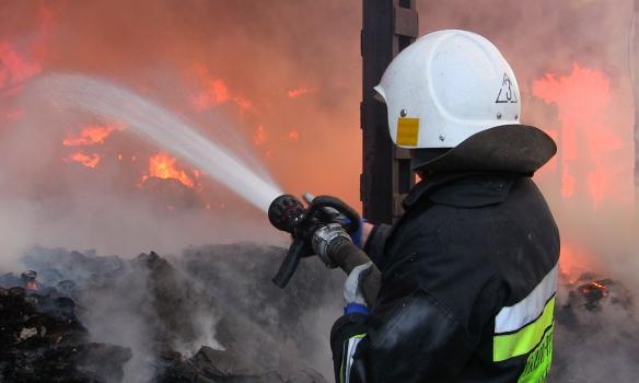 Пожежники врятували 99-річну бабусю, в якої загорілась хата