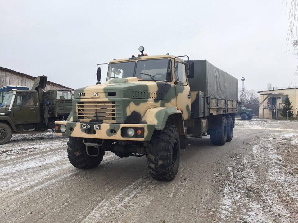 Прикордонники Мукачівського загону разом із Рахівською РДА передали в зону АТО корисний вантаж