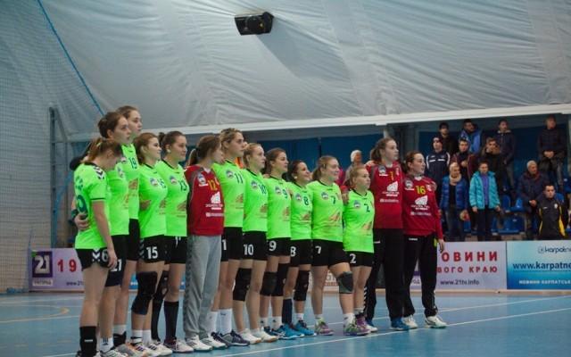 """Ужгородські """"Карпати"""" зіграють свої останні матчі у цьому році у Миколаєві"""