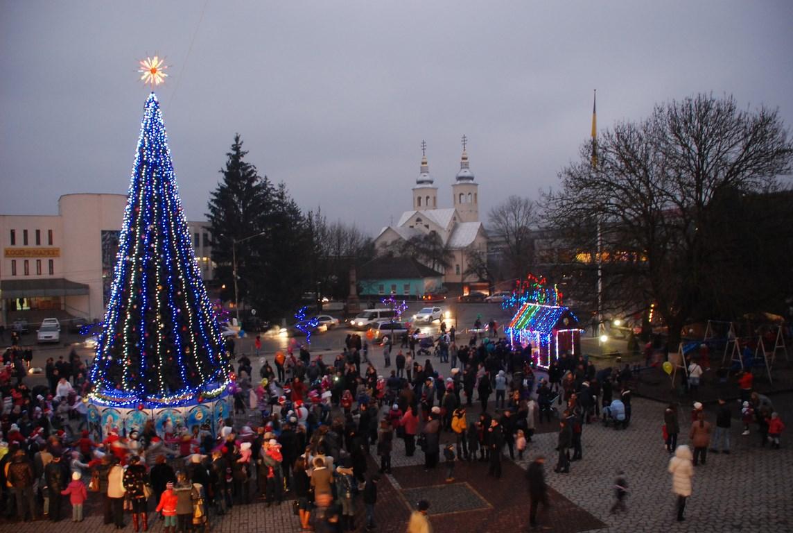 Святкові вогні головної ялинки Іршави запалять на Католицьке Різдво