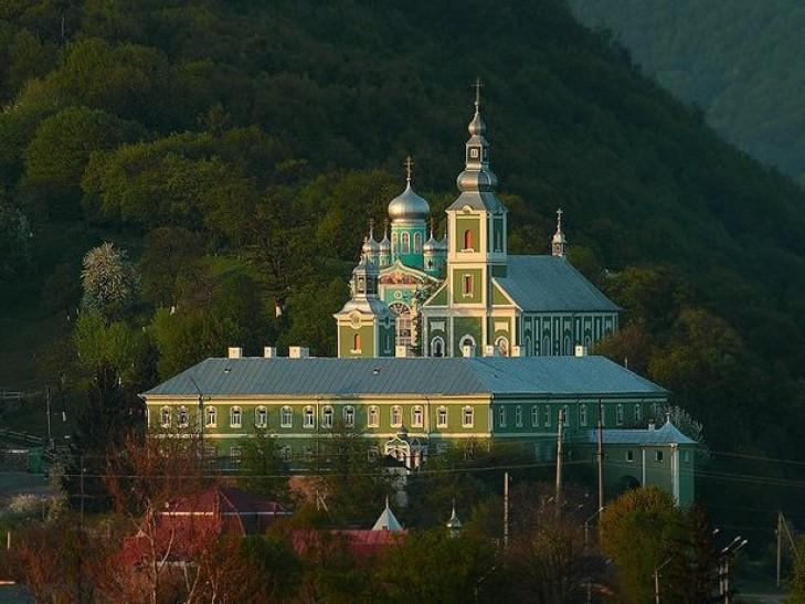 Москаль запрошує на Новорічно-Різдвяні свята відвідати закарпатські монастирі
