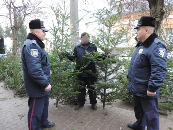 """Берегівські правоохоронці конфіскували 1500 одиниць """"лівої"""" піротехніки"""