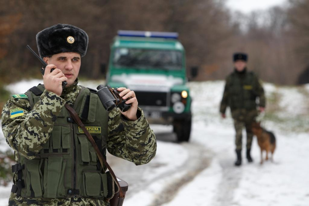 Поблизу словацького кордону прикордонники втретє затримали нелегала з Ірану