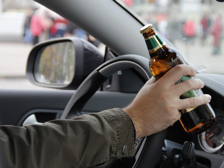 """Під ранок в Ужгороді патрульні затримали нетверезого водія автомобіля """"Skoda"""""""