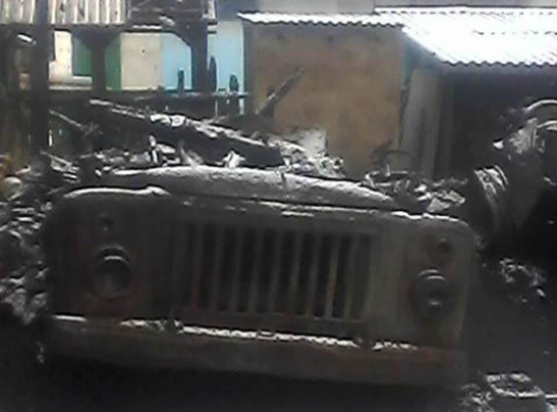 Вогонь знищив гараж, трактор та вантажівку: пожежа на Перечинщині завдала чимало лиха