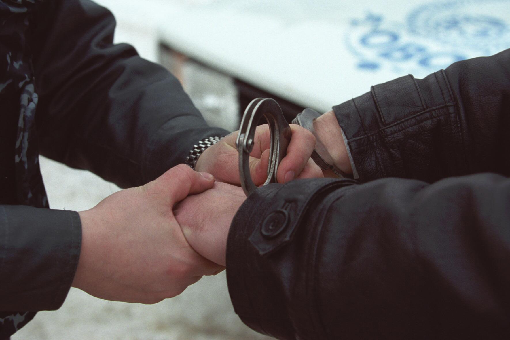 У Мукачеві правоохоронці затримали чоловіка, який порушував громадський порядок