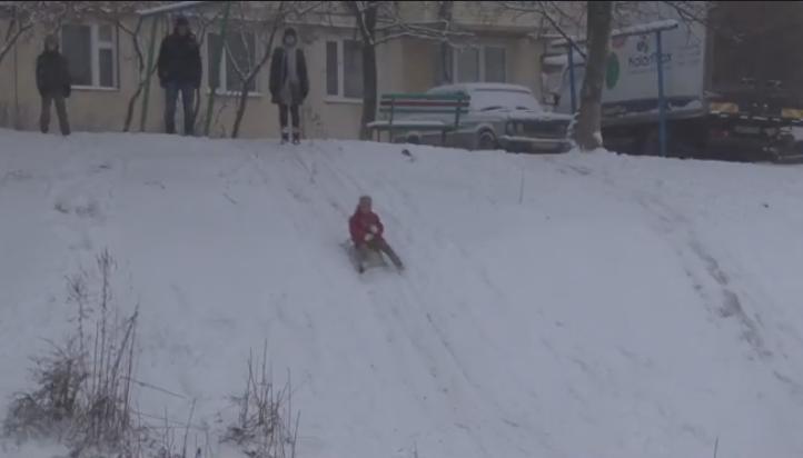 """Ужгородська """"Кірпічка"""" перетворилась на зимовий атракціон"""