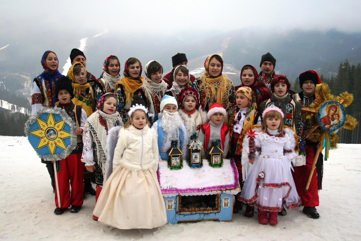 Як відзначали Різдво на Закарпатті: жителі Макарьова розповіли про давні різдвяні традиції Святої вечері