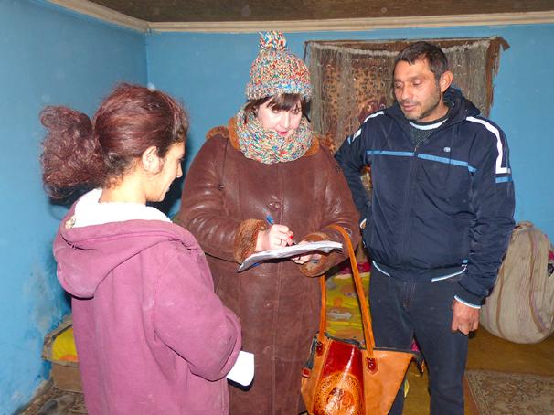 В рамках соціальної паспортизації трьох ромських громад на Мукачівщині було опитано 220 родин