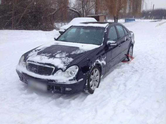 """На Берегівщині затримали автомобіль """"Мерседес"""", розшукуваний """"Інтерполом"""""""
