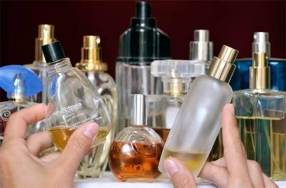 В Ужгороді чоловік виніс з магазину косметики парфуми