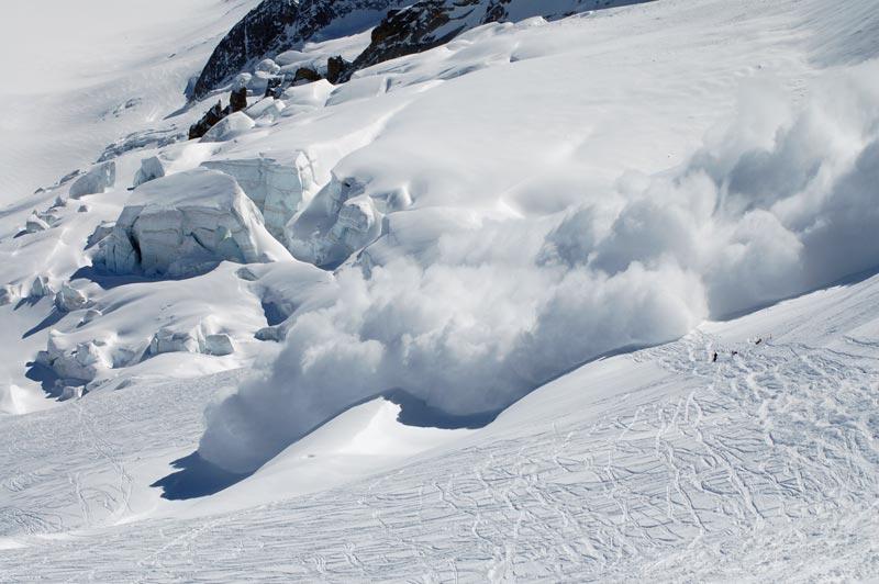 Рятувальники попереджають про небезпеку сходження лавин