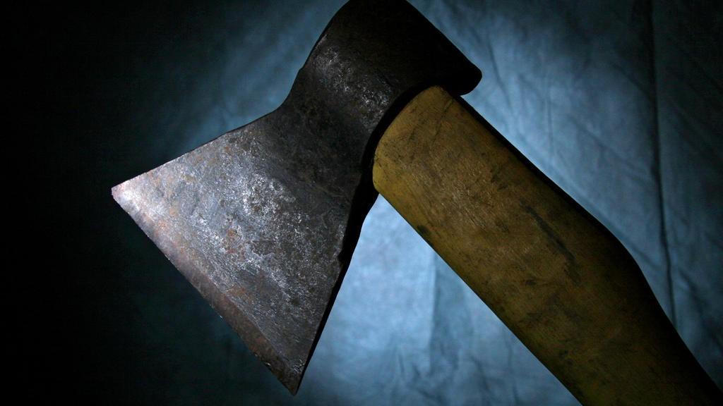 На Міжгірщині розбійники побили та пограбували власницю будинку: жінку госпіталізували