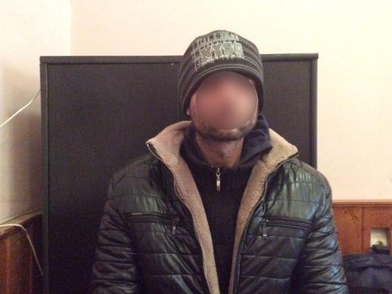 Поліція Мукачева затримала чоловіка, який переховувався від суду