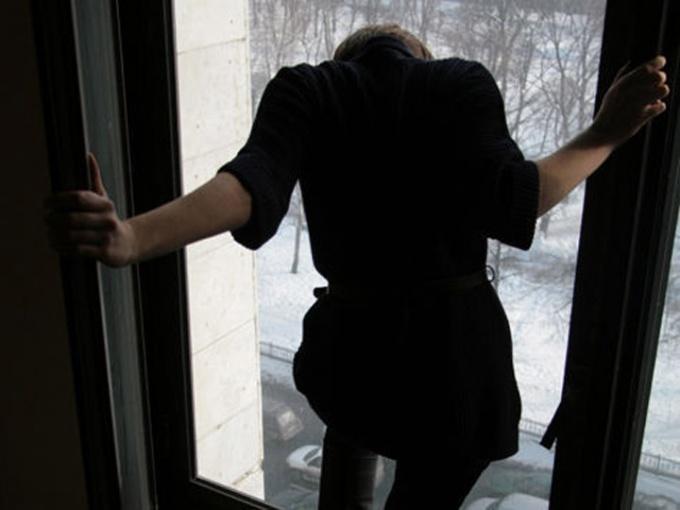 """""""Жінка вистрибнула з вікна 8 поверху"""", – свідки про трагедію в Ужгороді"""