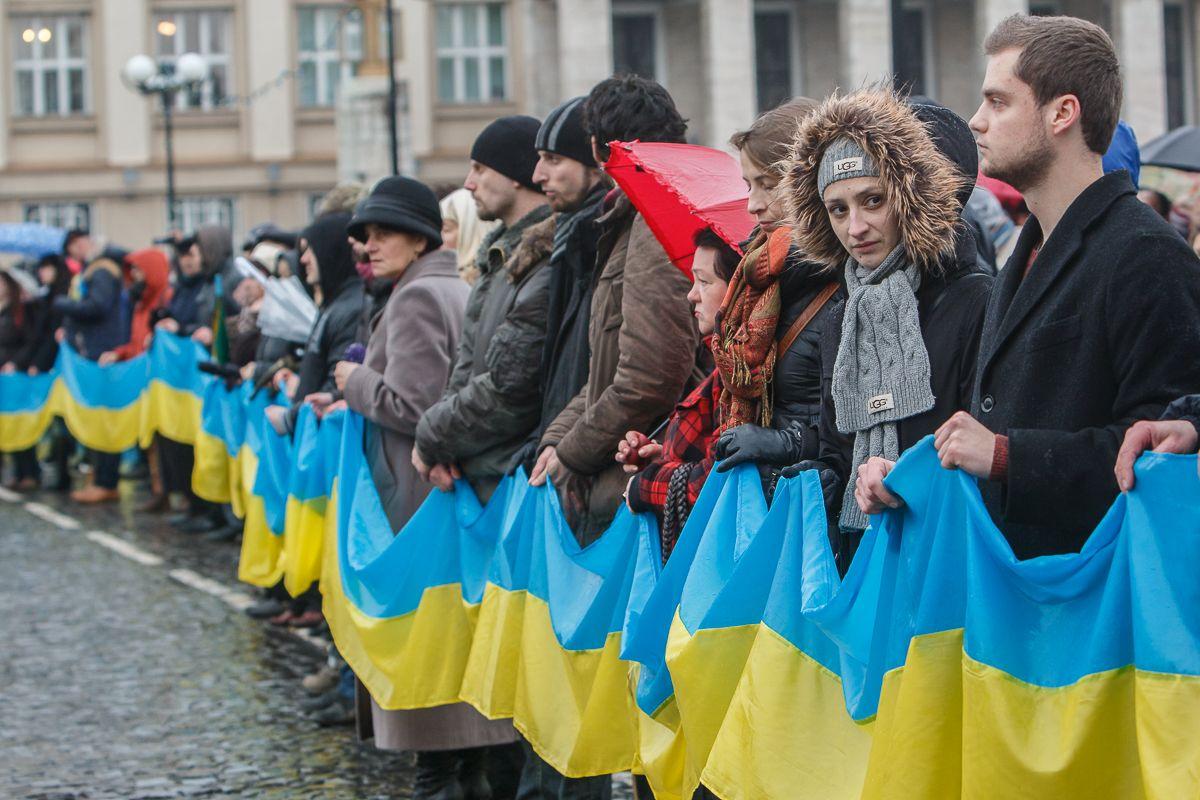 На площі Народній в Ужгороді розгорнуть стометровий Прапор України