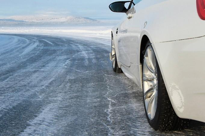 Водіїв попередили про ожеледицю на дорогах