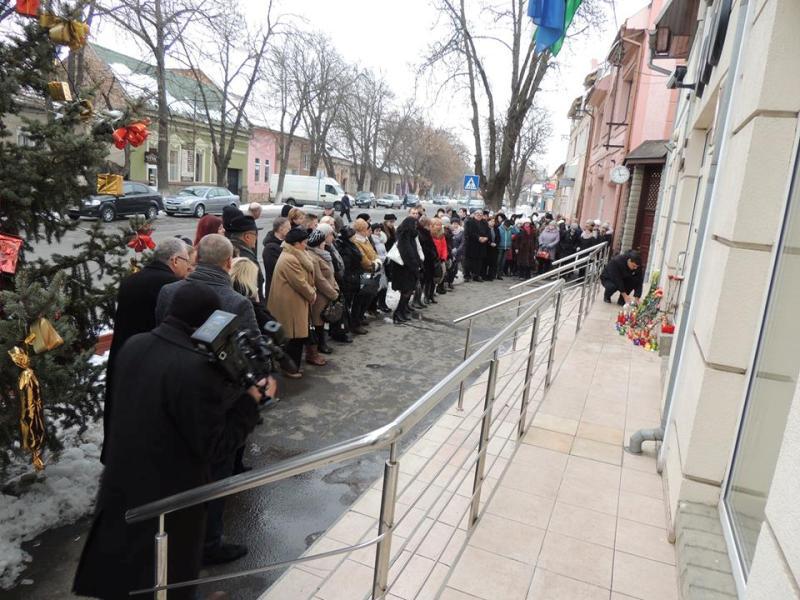 Біля консульства Угорщини в Берегові вшанували жертв жахливої аварії в Італії