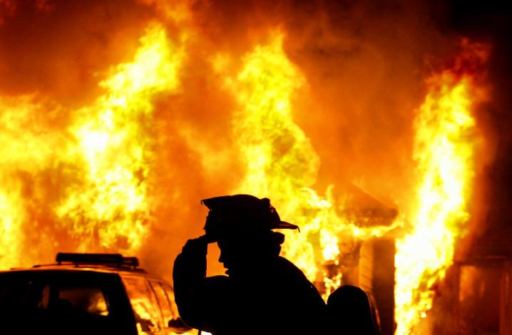 Знищено перекриття та дерев'яні перегородки: на Ужгородщині вирувала велика пожежа