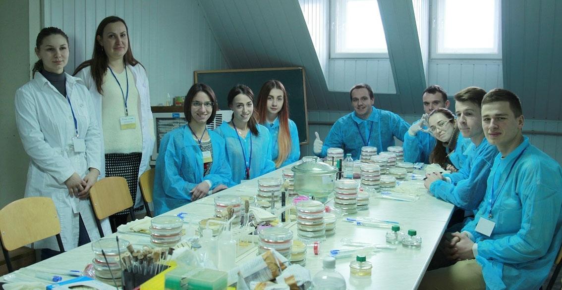 """Закарпатські студенти-медики організували першу в Україні зимову школу """"Нові виклики в медицині"""""""