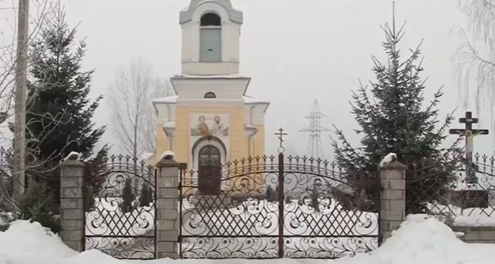 На Мукачівщині пограбували церкву: злодії вкрали гроші та мощі святих, щось шукали у Євангеліє